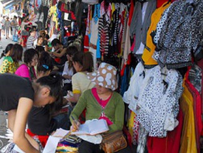 Tràn lan hàng Trung Quốc gắn mác Việt