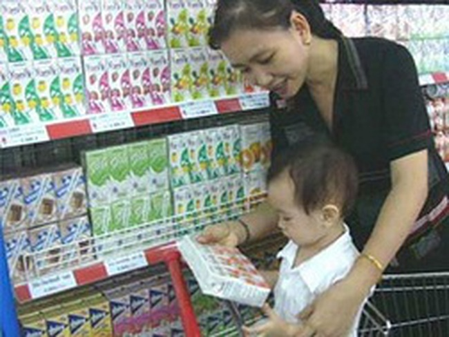 Nhiều biện pháp ngăn đà tăng giá sữa