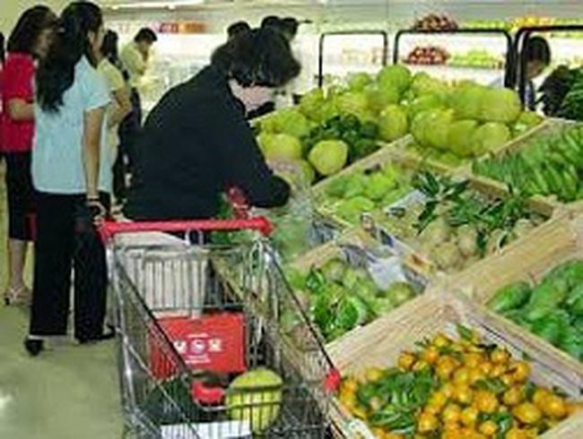Giá thực phẩm tăng, người tiêu dùng giảm mua sắm ở siêu thị