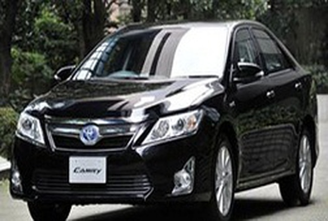 Toyota thu hồi 885.000 xe