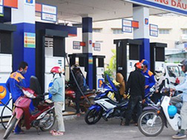 Giá xăng dầu không thụ động theo giá thế giới