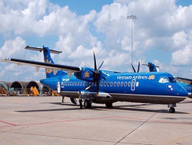 Máy bay rớt bánh, VNA bị yêu cầu dừng bay ATR72