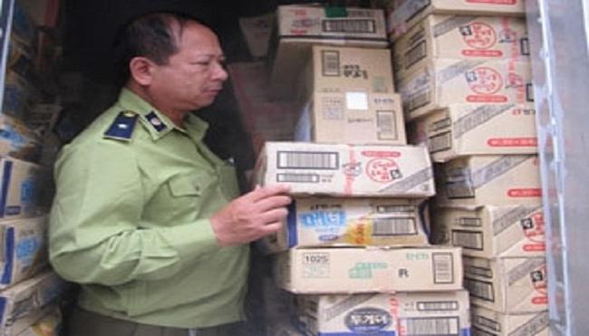 Hà Nội: Tạm giữ hơn 1.000 thùng kem không nhãn