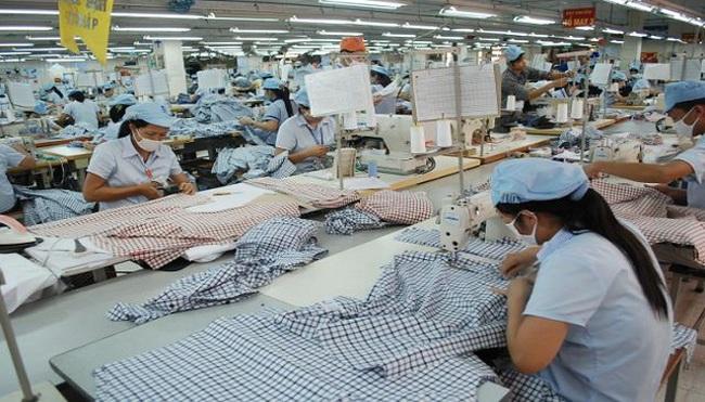 Xuất khẩu dệt may: Thừa đơn hàng, thiếu nguyên liệu