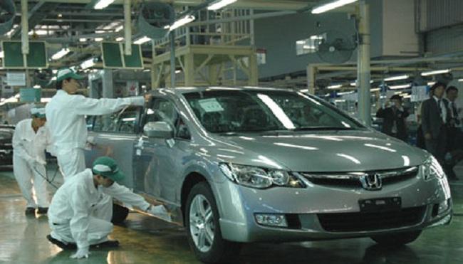 """""""Thần chết"""" rình rập công nghiệp ô tô Việt Nam"""