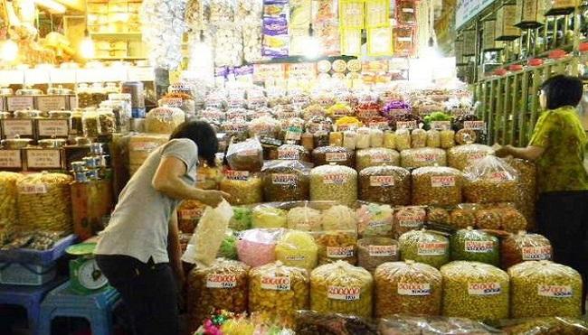 Thị trường bánh kẹo Tết: Phong phú nhưng khó kiểm soát