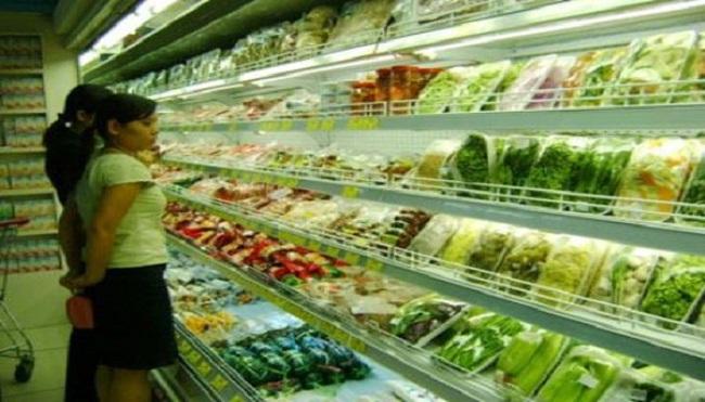 Một loạt siêu thị bán 'rau an toàn' không rõ nguồn gốc