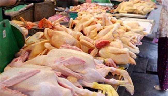 Sức mua thịt gia cầm tiếp tục sụt giảm