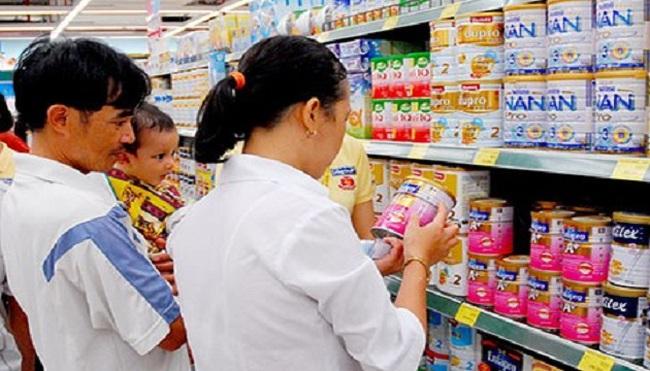 Cần thay đổi cơ chế quản lý giá sữa