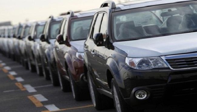 Giá ô tô Việt Nam ngất ngưởng vì đặc quyền 'ông lớn'