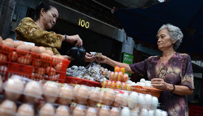 Giá nông sản từ đồng tới chợ: Trứng khóc, trứng cười!