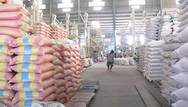 Giá lúa vẫn thấp sau khi mua tạm trữ 130.000 tấn gạo
