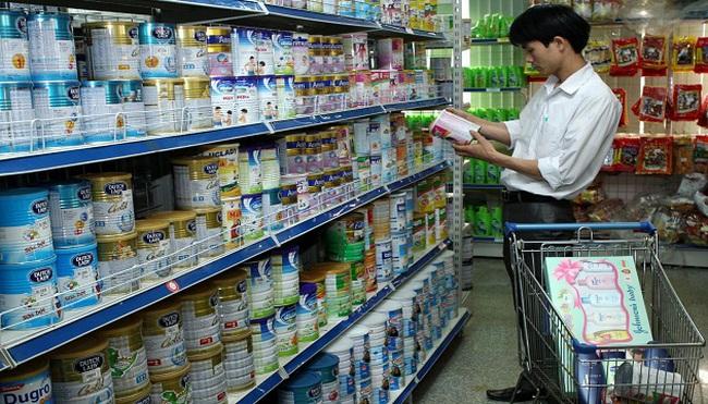 Giá sữa tại nhiều siêu thị bắt đầu giảm