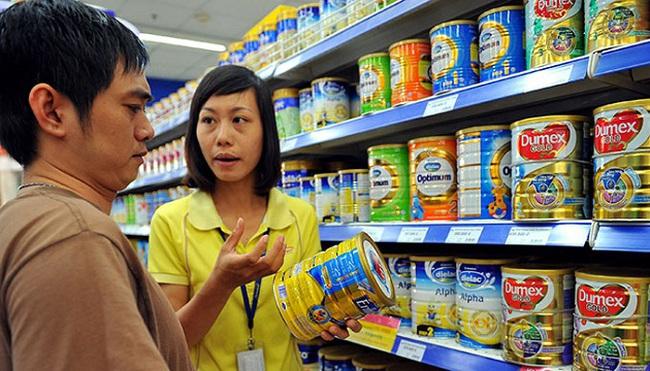 Giá sữa bán buôn giảm 50.000-80.000 đồng mỗi hộp