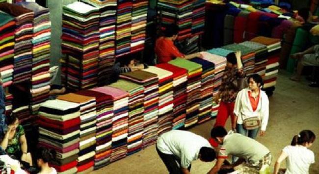 Hàng giá rẻ Trung Quốc đổ bộ: Doanh nghiệp Việt thua vì sao?