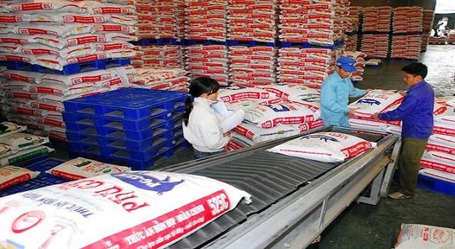 Nhập khẩu thức ăn chăn nuôi và thủy sản tăng mạnh trong 8 tháng