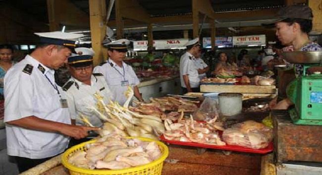 """Không để lọt thực phẩm """"nhiễm độc"""" ra thị trường"""