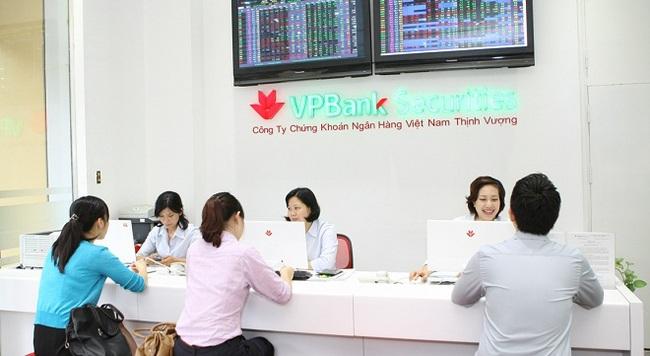 """VPBS nhận giải """"Nhà Tư vấn và Thu xếp Trái phiếu tốt nhất Việt Nam 2014"""""""