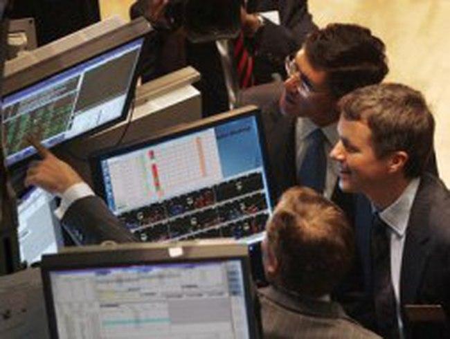 S&P 500 đảo chiều giảm điểm cuối phiên vì cổ phiếu Apple