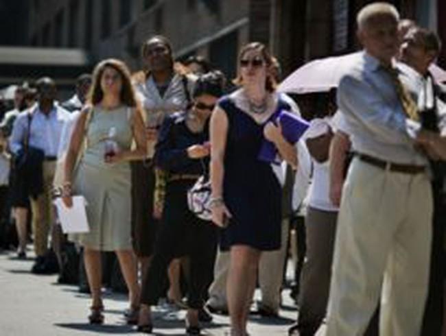 Mỹ: Số đơn xin trợ cấp thất nghiệp tăng mạnh nhất 2 tháng