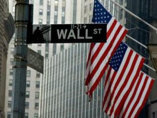 Nỗi lo kinh tế suy giảm đè nặng phố Wall