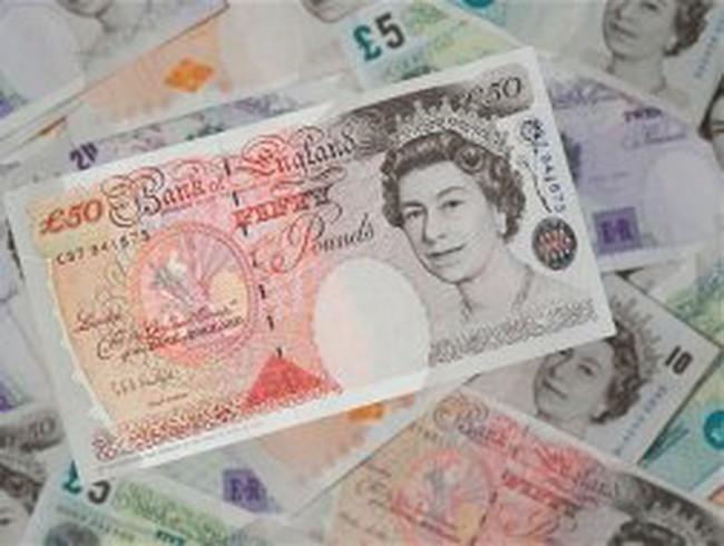 Thu nhập của người Anh xuống thấp nhất từ năm 2002