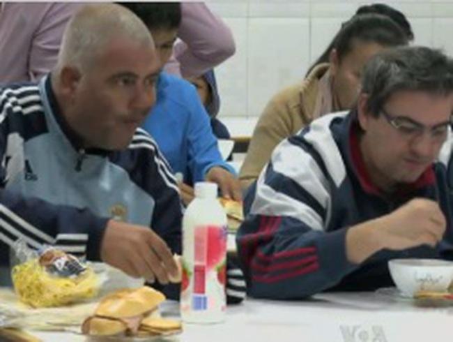 Tây Ban Nha - Cái đói đã 'gõ cửa' từng nhà dân