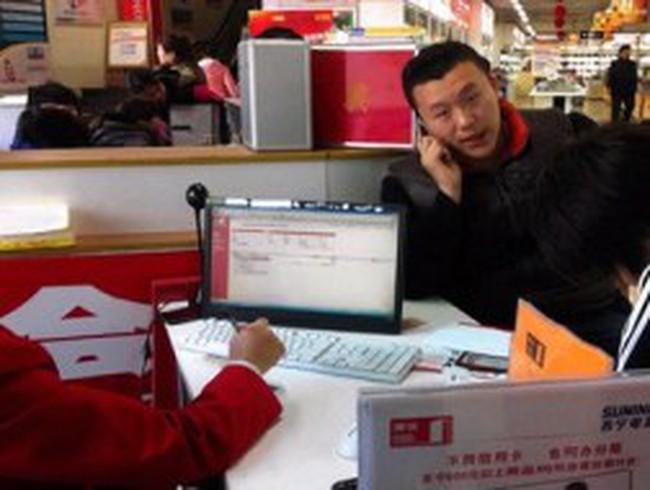 Giới trẻ Trung Quốc bạo tay vay tiền mua sắm