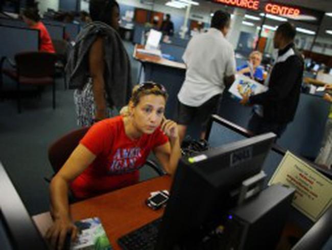 Mỹ: Số đơn xin trợ cấp thất nghiệp thấp hơn dự báo