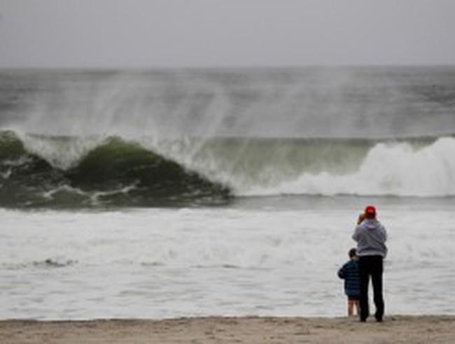 Một số sàn giao dịch ở Mỹ đóng cửa do siêu bão Sandy