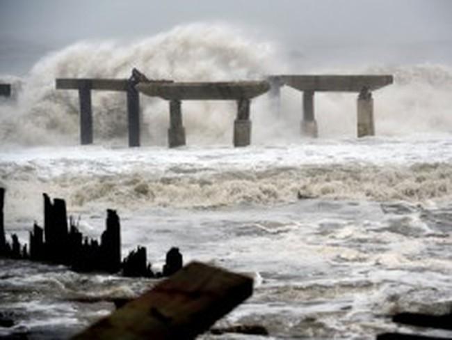 Nước Mỹ có thể mất 10 tỷ USD mỗi ngày vì bão Sandy