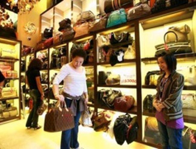Nhà giàu Trung Quốc chuộng hàng hiệu second-hand