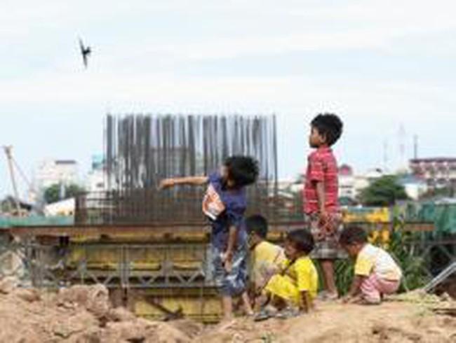 Trung Quốc đã rót bao nhiêu tiền vào Campuchia?