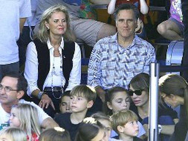 Ông Mitt Romney trở lại với công việc