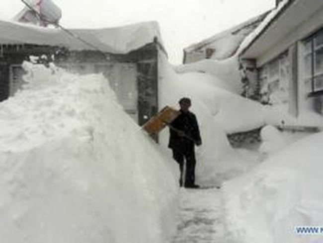 Trung Quốc gồng mình chống bão tuyết