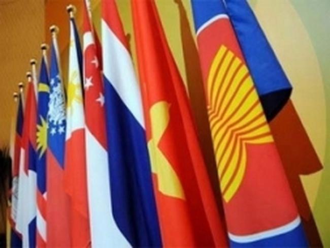 Kinh tế ASEAN tiếp tục tăng tưởng mạnh vào 2013