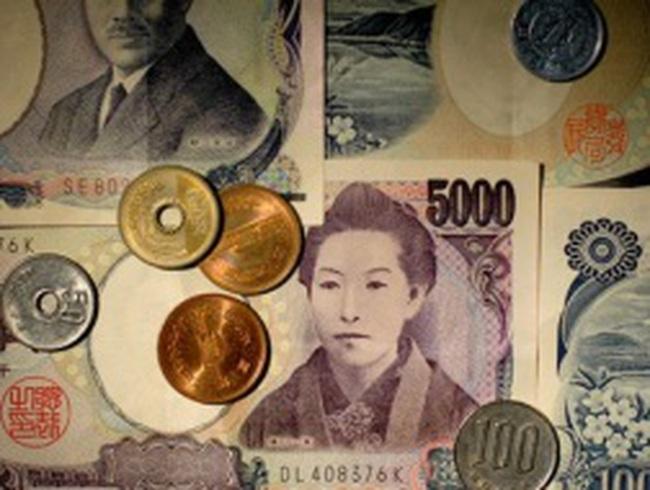 Yên Nhật thấp nhất 20 tháng sau chiến thắng của ông Abe