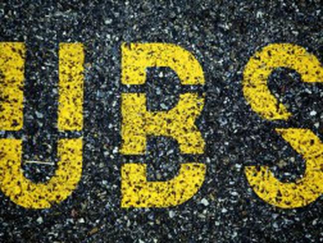 UBS đối mặt với án phạt cao gấp đôi Barclays