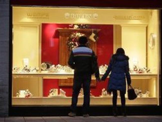 Dân Đức ngán ngân hàng, đổ tiền mua kim cương