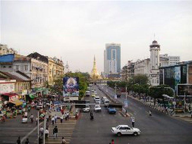 Standard Chartered mở lại VPĐD tại Myanmar