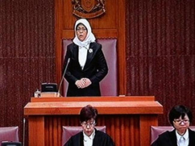 Nữ Chủ tịch Quốc hội đầu tiên của Singapore