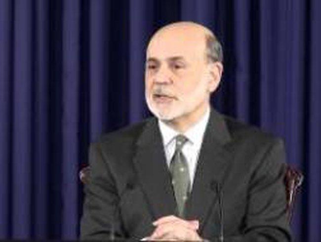 Ben Bernanke bác tin Fed ngừng kích thích