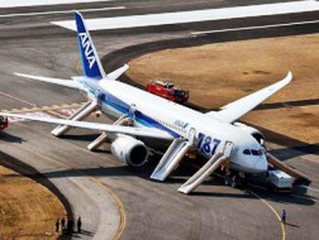 """Outsourcing"" buộc Boeing 787 ""hạ cánh""?"