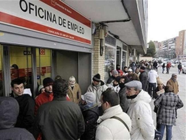 Tây Ban Nha ngày càng lún sâu vào suy thoái