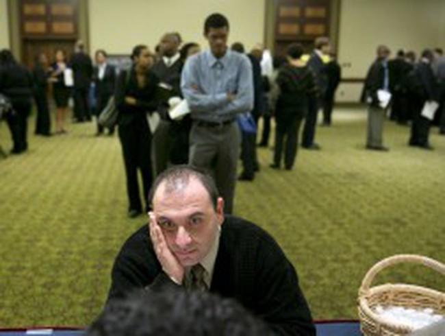 Mỹ: Số đơn xin trợ cấp thất nghiệp tăng mạnh nhất gần 3 tháng