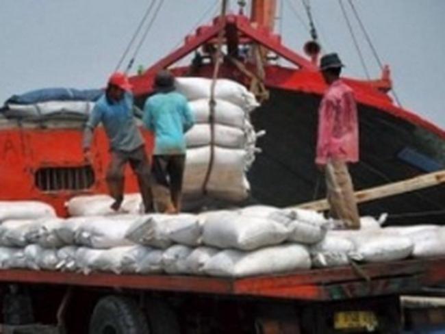 Indonesia lần đầu thâm hụt thương mại trong 2012