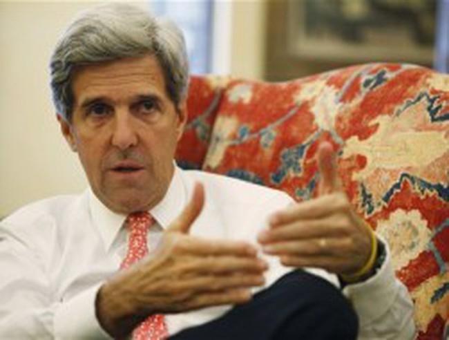 Ngoại trưởng Mỹ John Kerry phải rút cổ phần từ hàng chục công ty