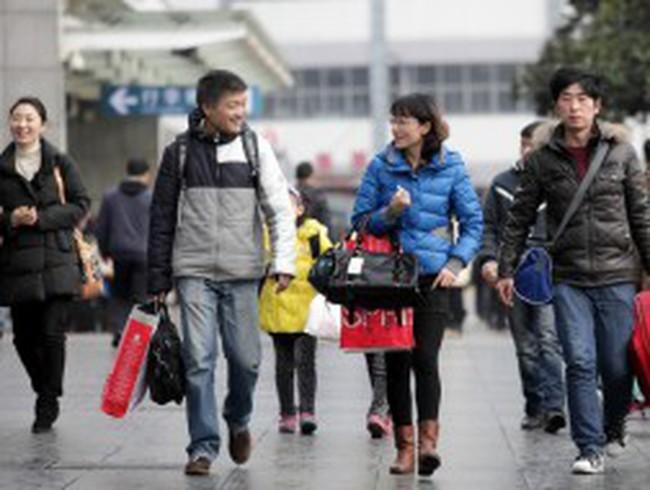 Trung Quốc tăng lương tối thiểu 40%