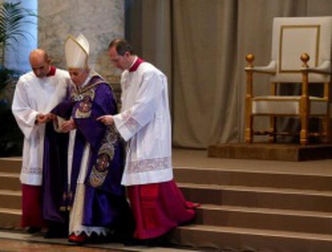 Giáo hoàng chủ tế thánh lễ cuối cùng trước công chúng