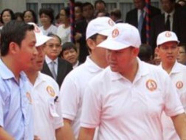 Con trai và con rể Thủ tướng Campuchia tranh cử quốc hội